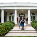 Разгневен Тръмп внезапно прекрати среща с демократите и ги нападна