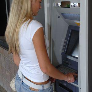 Za sve koji otplaćuju kredite - moratorijum uskoro prestaje, počinje skidanje rata sa računa!