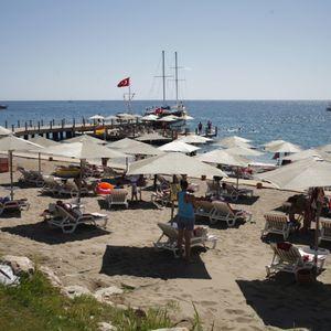 Crnogorci kukaju, pukla im sezona! Plaže prazne, gostiju ni na vidiku