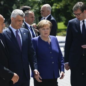 Berlin i Vašington vode bespoštedni rat: Angela priznala da stoji iza taksi!