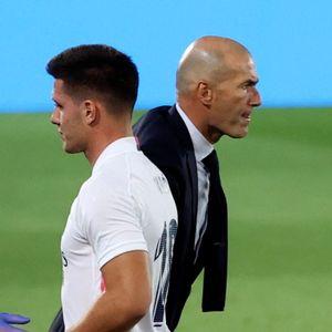 Jović na vreme pobegao iz Reala, Zidanu se crvene obrazi posle šamara - sve se poklopilo!