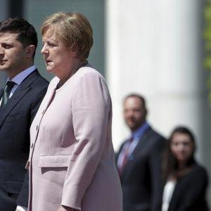 Merkelova bolesna? Snimak kako drhti kraj Zelenskog pokrenuo glasine VIDEO