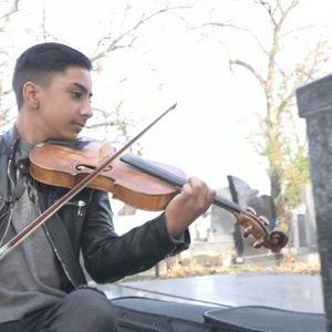 Piroman ima nebeske svirače: Ovo je najmuzikalnije groblje u Srbiji