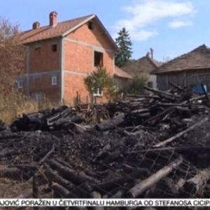 """Požar u selu Rabenovac: """"Sve je otišlo u prašinu i pepeo"""" VIDEO"""