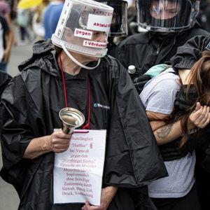 Ima mrtvih posle protesta protiv korona mera u Berlinu VIDEO/FOTO