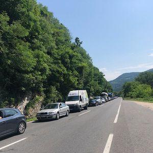 Čekalo se po nekoliko sati: Novi saobraćajni kolaps kod tunela Vranduk