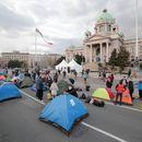 Tu će protestovati i raditi: Frilenseri KAMPUJU ispred Skupštine