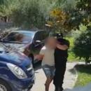 Во Драч од македонски државјанин украдени 6.000 франци и автомобил, полицијата за неколку часа ги фати крадците