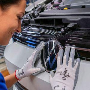 Volkswagen го забрзува производството на новиот Golf 8