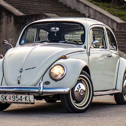 АВТОбиографија: Тиберие Киријас и неговата безвременска Volkswagen Буба!