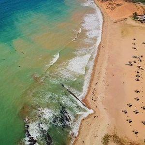 Зошто бојата на океаните и морињата не е иста насекаде?