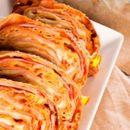 Рецепт на денот: брз пица-ролат со готови кори