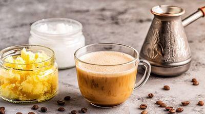 Една лажичка кокосово масло во утринското кафе ќе ви помогне да ги стопите килограмите