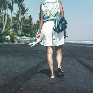 Намален стрес и повеќе енергија - 13 здравствени придобивки од одењето боси