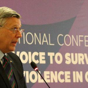 Ambasador SAD: Nije tačno da ne dozvoljavamo održavanje izbora na Kosovu