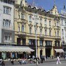 Zagreb dobio semafor koji pešake zadubljene u ekran telefona upozorava na crveno