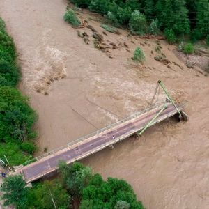 Poplave u Ukrajini: Zašto su odgovorne klimatske promene, ali i nelegalna seča drveća