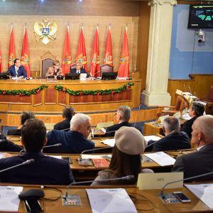 Vlasti u Srbiji očekuju da Joanikije vrati uslugu