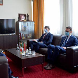 Petković sa ambasadorom Italije: Sve učestalija antisrpska retorika na Kosovu