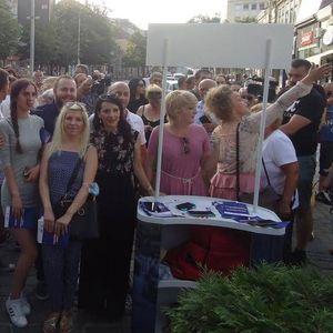 REPORTAŽA: Kako su ljudi dočekali Mariniku Tepić u Kragujevcu