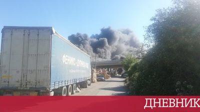 """Пожар в сметището на Дупница наложи затварянето на магистрала """"Струма"""""""