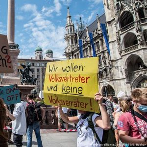 Не плашете се од корона-протестите