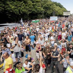 Германија дискутира: Каков да биде односот кон анти-корона протестите?