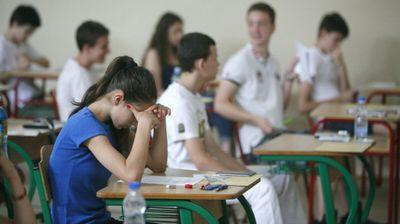 DRUGI DAN ZA MALE MATURANTE: Danas polažu test iz matematike