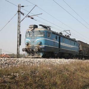 Žena iz Osijeka prelazila prugu na ZABRANJENOM MESTU:Preko nje prešla CELA KOMPOZICIJA, iz 1 razloga je ostala živa