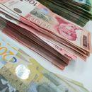 DANAS POČINJE ISPLATA ZA APRIL: Jednoj grupi danas leže novac