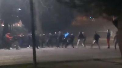 MASOVNA TUČA U PODGORICI: Mladić uboden nožem u školskom dvorištu!