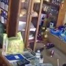 UŽASAN SNIMAK ZEMLJOTRESA U GRČKOJ: U prodavnici se sve RUŠI, ljudi beže napolje!