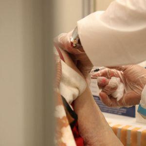 NOVI PROPISI U GRČKOJ: Nastavnicima koji odbiju da se vakcinišu ili testiraju sledi OZBILJNA KAZNA!