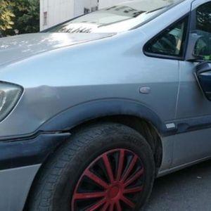 INVALIDU ISEKLI GUME I UNIŠTILI AUTO: Velika sramota u centru Beograda!