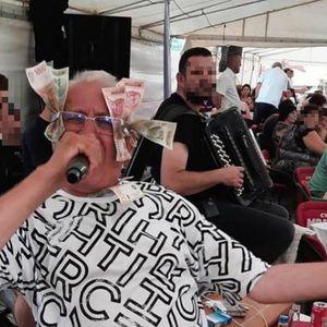 """ERA JE DOKAZAO DA JE """"KRALJ BAKŠIŠA""""! Lepili mu novčanice gde su stigli jer je ČOVEK IZ NARODA!"""