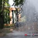 VELIKA POPLAVA ISPRED CRKVE SVETOG MARKA! Voda se sliva sve do Takovske ulice, oboren HIDRANT!