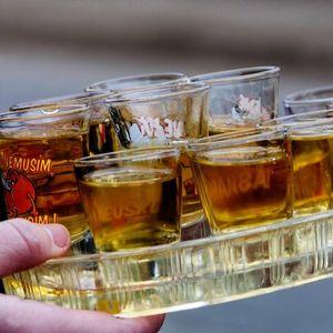 SVAKO IMA OVAJ MAGIČNI SIRUP ZA KAŠALJ U KUĆI: 5 razloga zašto svaki dan MORATE da popijete SRPSKO ČUDO OD LEKA