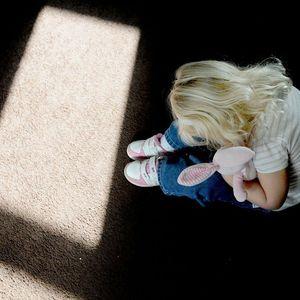 TERAPEUTI UPOZORAVAJU: Deca koja DOBIJAJU BATINE sklonija su DROGAMA i DEPRESIJI - nasilje nije rešenje!