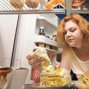OVO SE DOGAĐA U VAŠEM TELU KADA OTVARATE FRIŽIDER U KASNE SATE: Promene metabolizma vam se neće dopasti!