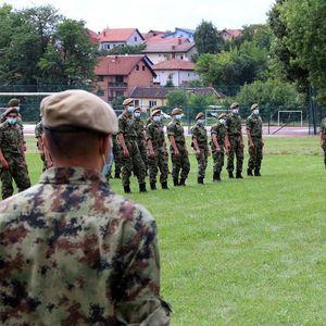 MINISTAR VULIN OBIŠAO KASARNU U VALJEVU: Evo šta je tačno rekao o budućim vojnicima