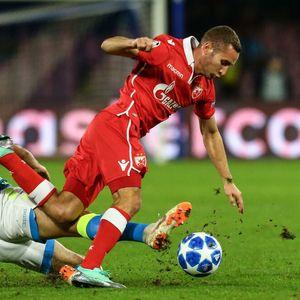 Zvezda je zbog njega ostala bez Evrope, a sada je na pragu transfera u Milan! To nije sve, jure ga Everton i Roma!