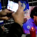 SAHRANJEN MARADONA: Samo 20 ljudi je bilo prisutno, a Dijego je ponovo pored majke i oca - tužne scene!