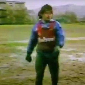 TEŽAK VAM TEREN I NERAVAN, FUDBALERI? Pogledajte snimak Maradone iz 1986. i TIŠINA ZAUVEK!