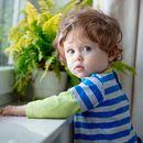 Кога е луто, детето се мава по главата со тупаници. Зошто?