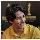 """Секој што пораснал на Балканот знае за врсничко насилство, вели Леон Ристов, авторот на краткиот филм """"Ќе му се јавам на татко ти"""""""