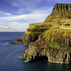 Островот на кој нема криминал, има само три семафори и висок наталитет