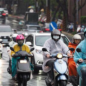 Тайван въведе глоба за пътуване без маска в обществения транспорт