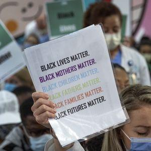 Интелектуалци от цял свят подкрепиха протестите срещу расовата дискриминация
