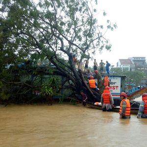 Големи наводнения във Виетнам