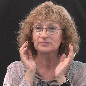 Анна Кръстева пред FN: Мълчанието на Слави е театрален похват – всички чакат появата на главния герой
